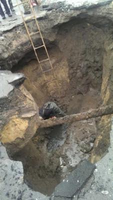 Руйнування стінки камери гасіння каналізаційного колектору